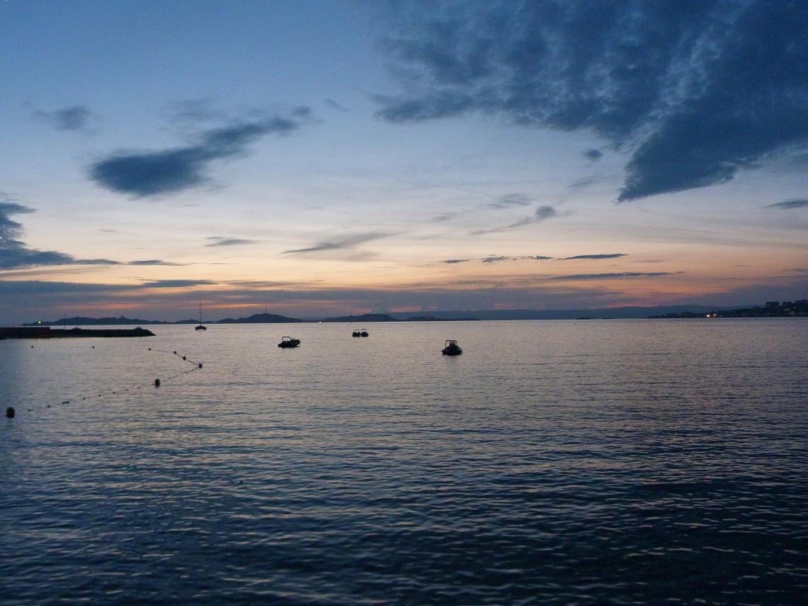 Sunset mer.jpg